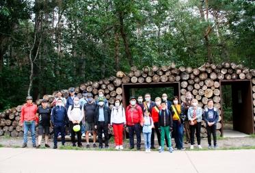 Centraal-Aziatische ambassadeurs onder de indruk van Bosland na fietstocht door het Pijnven