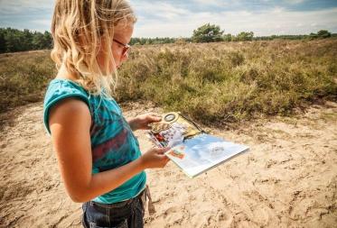 Natuur-doeboekje 'op stap met Zeno Zandloopkever' gelanceerd